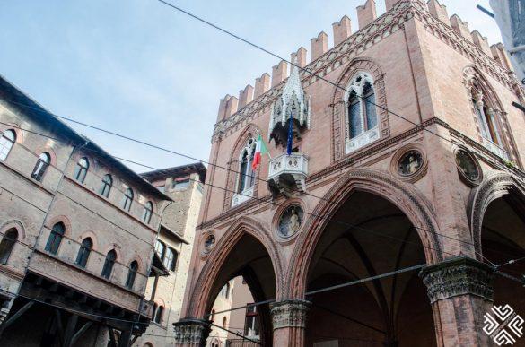 Гастрономический пеший тур по Болонье с компанией «Амейзинг Итали»