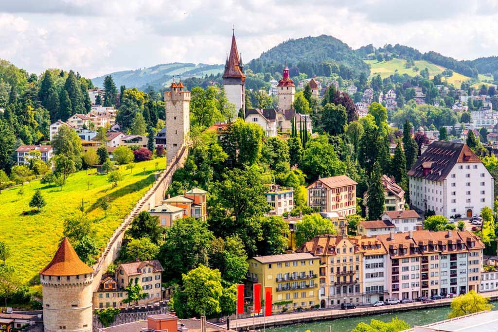 How to spend one day in Lucerne Switzerland