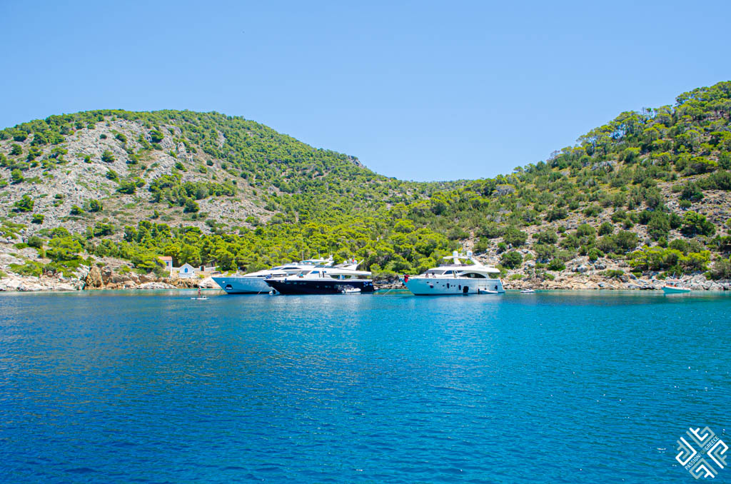 yachting charter greece